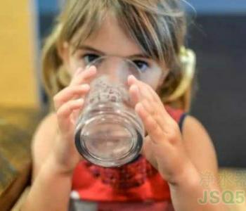 孩子多喝水认知强反应快 怎样才能让孩子养成爱喝水习惯?