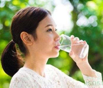 三种水比隔夜水更伤身!你也没少喝!
